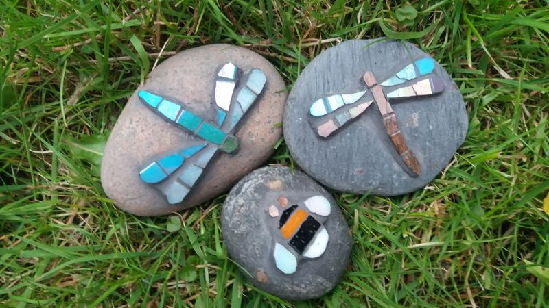 Mini pebble mosaic workshop with glass paste and iridescent tile.