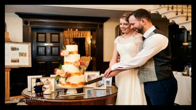 Wedding cake knife set