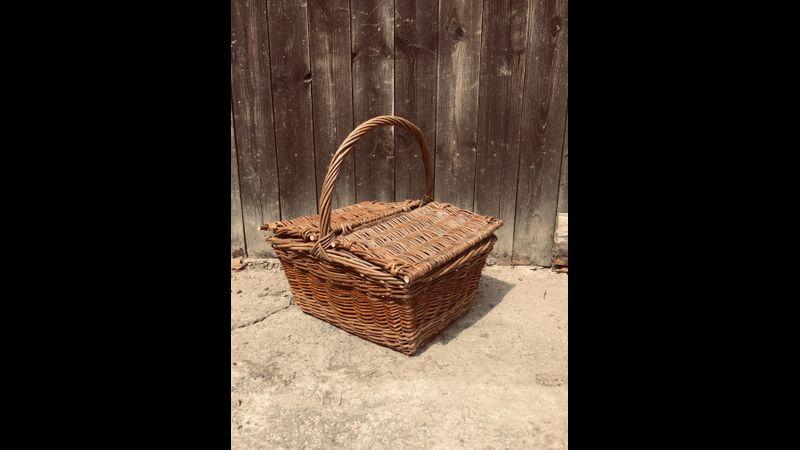 Double lidded picnic basket
