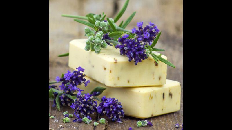 natural soap and shampoo bar making course